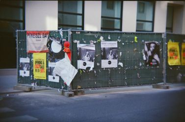 Wien in Holga 135BC: What cannot be destroyed by neuroplasticcreative