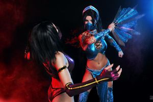 Kitana and Mileena cosplay by AsherWarr