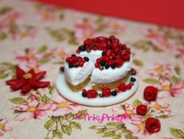 Christmas Berry Cheesecake by tinkypinky