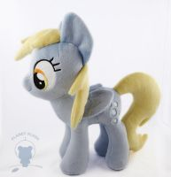 Derpy Closed Wing Variant (4DE Style) by PlanetPlush