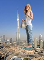 Giantess Bella Thorne by CaiusBonus007