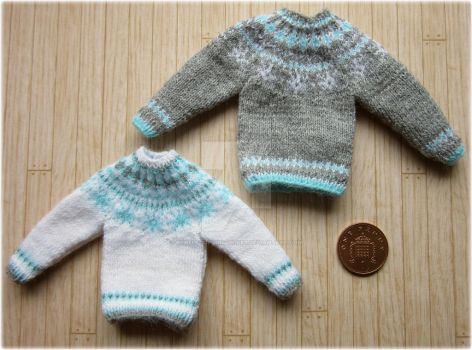 1:12th scale Snowflake jumpers by buttercupminiatures