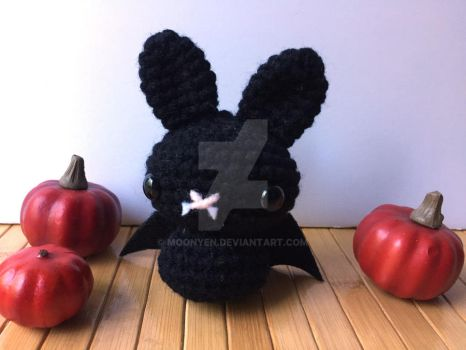 Black Bat Moon Bun by MoonYen