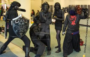 Dark Link Cosplayers by marmots