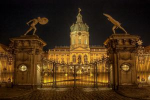 Schloss Charlottenburg HDR by DasHorst