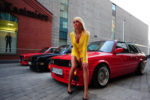 BMW E30 and Sexy Hot Blonde girl in Yellow Dress 2 by ROGUE-RATTLESNAKE