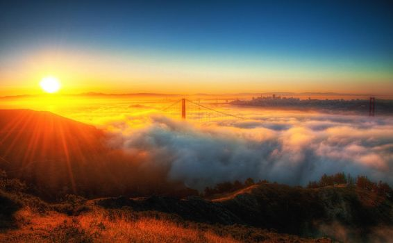 Sunrise over fog, San Francisco by alierturk