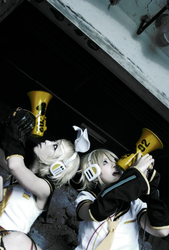 Kagamine Our Love Is war by sepi02