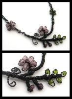 black flower necklace by annie-jewelry