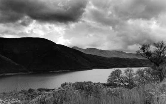 Lake on a cloudy day by Eddy98