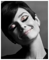 Audrey Hepburn by decayedyouth