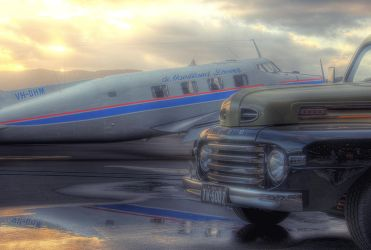 de Havilland Beaver + Ford by RichardjJones