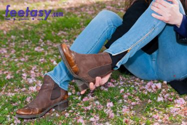 Out of her boots by FeetasyGiantess