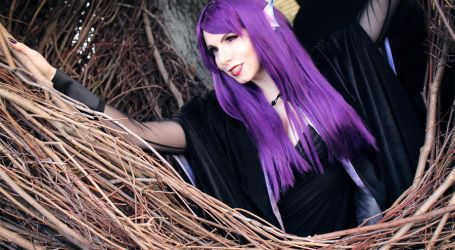Elven Mage: In Her Fortress by icequeenserenity