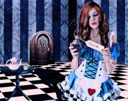 Alice in Underland by PaleScarlet
