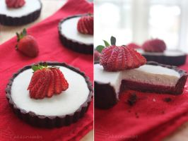 Strawberry and White Chocolate Mousse Tartlet by cakecrumbs