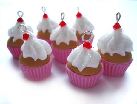 Creamy Crystal Cupcake Charms by geurge