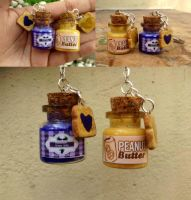 Peanut butter and jelly bff keychains by Saloscraftshop