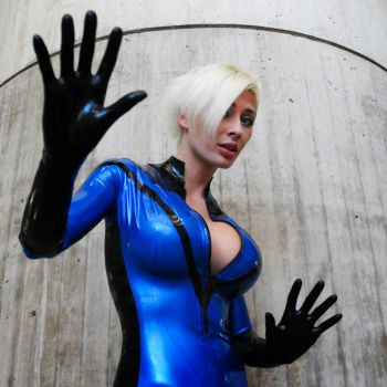 NYC10 - Invisible Woman by TheDreamerWorld