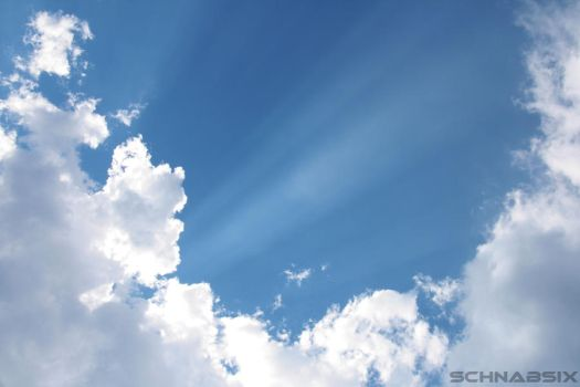 Clouds and Sunbeams by SchnabsiX
