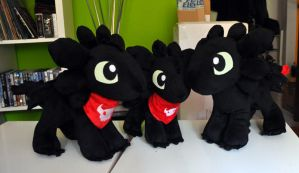 Toothless Family (SALE) by Sethaa