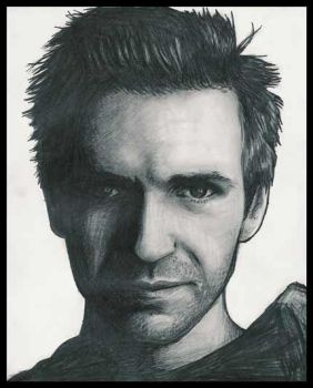 Ralph Fiennes by bebopalula