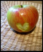 Apple Heart by Feuerschildkroete