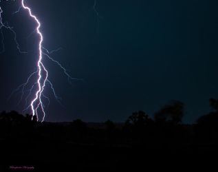 Outback Lightening by midnightrider79