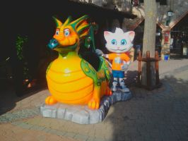 Family Park cat and dragon by FaraWolfdog