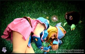 In the grass - Dark Magician Girl/kuriboh Cosplay by 20Tourniquet02