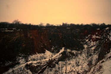 Winter sunrise above the quarry Great America by CaenRagestorm
