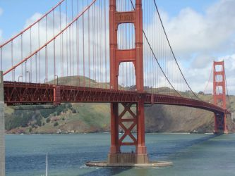 Golden Gate up Close by Maxojir