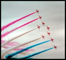Red Arrows 3 by TheFoolInTheRain