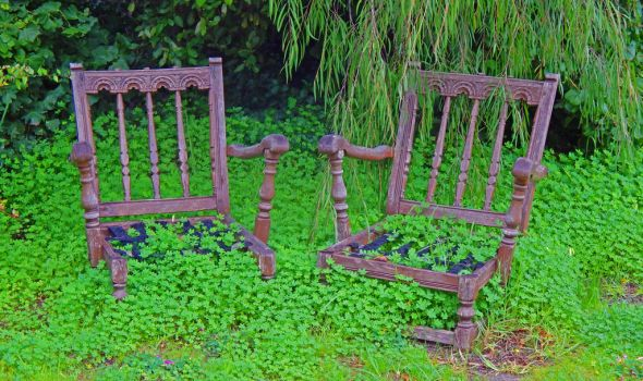 Clover Chairs by Malice-InWonderland