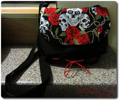 Skulls and Roses Bag by Selunia