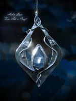 Tegaladwen sterling silver elvish pendant by Gwillieth