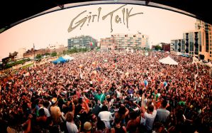 Girl Talk Live Wallpaper by ediskrad-studios