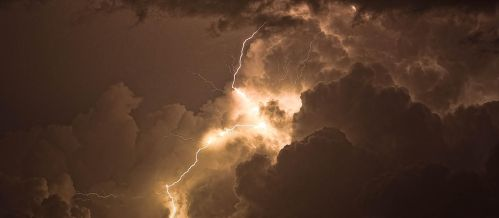 Zeus is Angry.. by Giorgos128