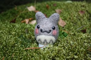Totoro in the forest :3 by CeciliaX
