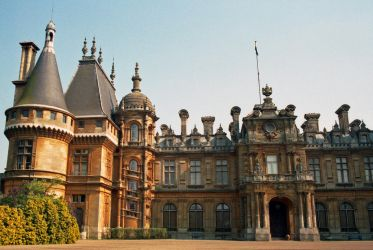 Waddesdon Manor by AlberichPotter