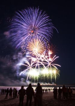 Fireworks on the Pier by Niv24