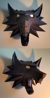 Witcher Medallion Papercraft Build (v2) by Gedelgo