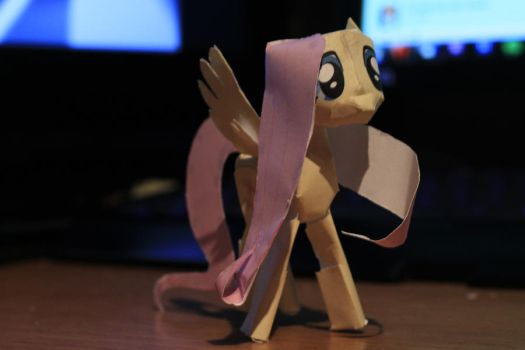 Papercraft fluttershy first try by robojot