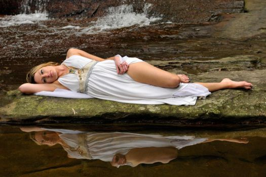 Zoe - faery queen at rest 1 by wildplaces