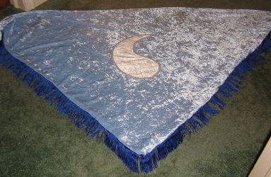 Blue Ajah Aes Sedai shawl by Stars-of-the-Water