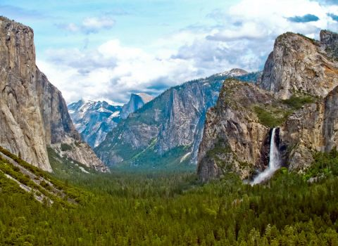 Yosemite Valley in the Spring by oceaniclove