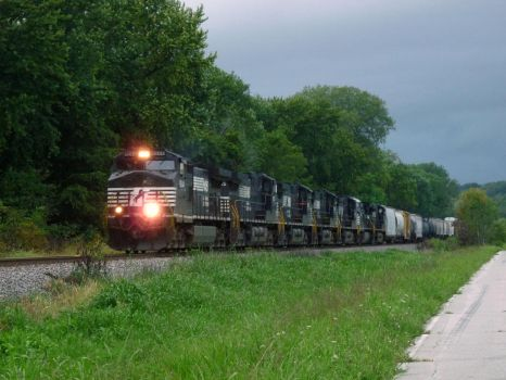 Railfan Trip: 8-21-17: Ahead of the Storm by lonewolf3878