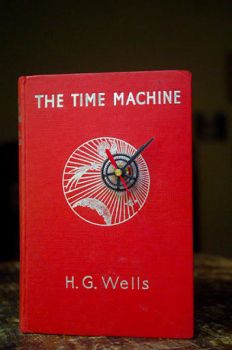 'The Time Machine' Book Clock by blindphineas