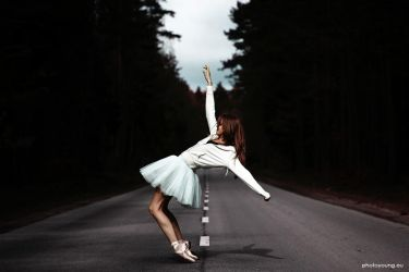 Ballerina by PhotoYoung