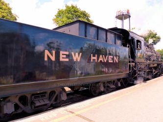 New Haven Line - Engine 3025 by TheLittle1